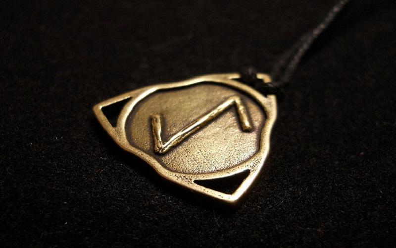 Esta é uma runa complexa. Sua aplicação mágica é baseada na capacidade de ajudar na superação de obstáculos. A palavra chave é atraso.