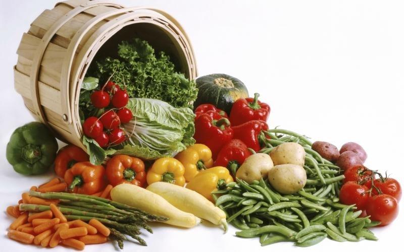 """Muitos pacientes que sofrem de doenças hepáticas possuem várias dúvidas, como """"o que comer?"""", """"o que não comer?"""", """"tal alimento é bom?"""" entre outras."""