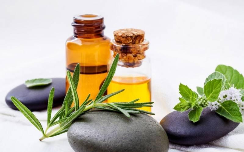 O óleo essencial de tomilho é um dos óleos mais poderosos de propriedades antioxidantes. E muito usado para combater diversos problemas