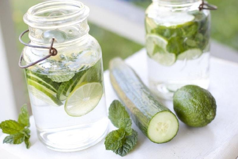 O pepino é um dos poucos vegetais que não provocam nada além de benefícios à saúde. Isto pode ser dito também sobre a água de pepino