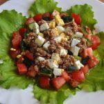 Salada de atum com pepino e ovo