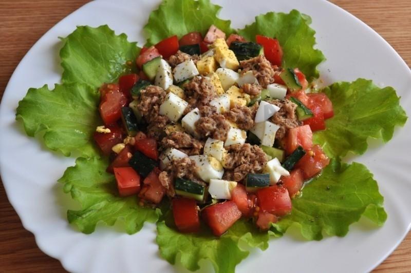 salada atum pepino ovo