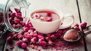 Chá de pétalas de rosa magia