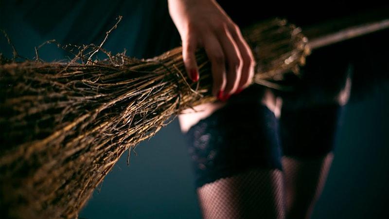 Vassoura mágica limpeza astral proteção