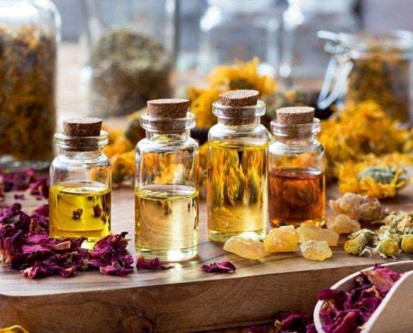 óleos essenciais óleo essencial aromaterapia saúde pele cabelos stress unhas envelhecimento