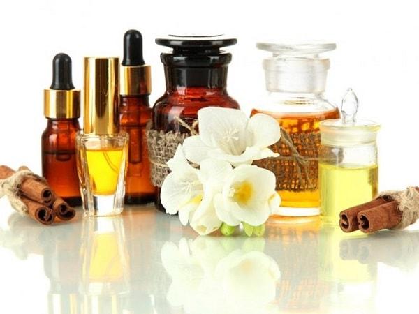 óleo essencial aromaterapia saúde pele cabelos stress unhas envelhecimento