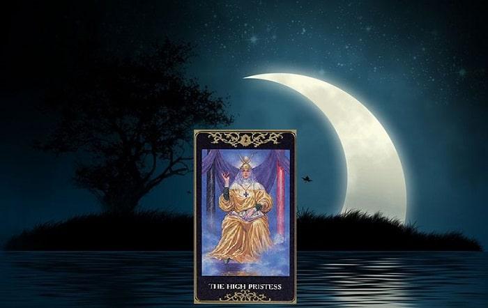 Sacerdotiza tarot cartas adivinhação futuro sorte conselho magia Tarô